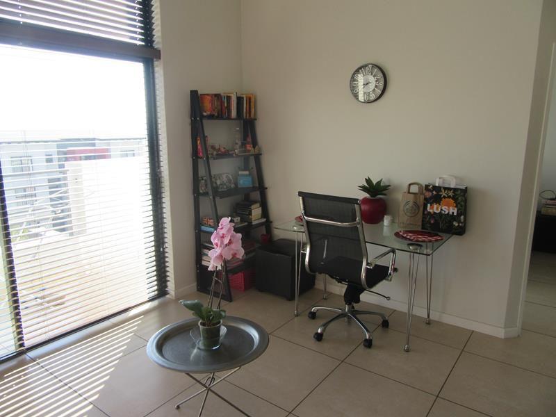 Living area (Copy).JPG