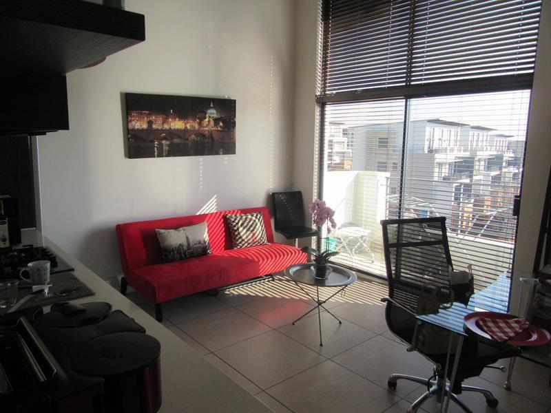 Open plan living area (Copy).JPG