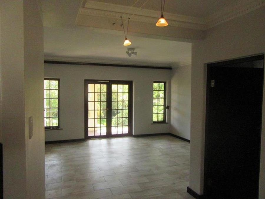 Dining room Lonehill (Copy) (Copy) (Copy).JPG