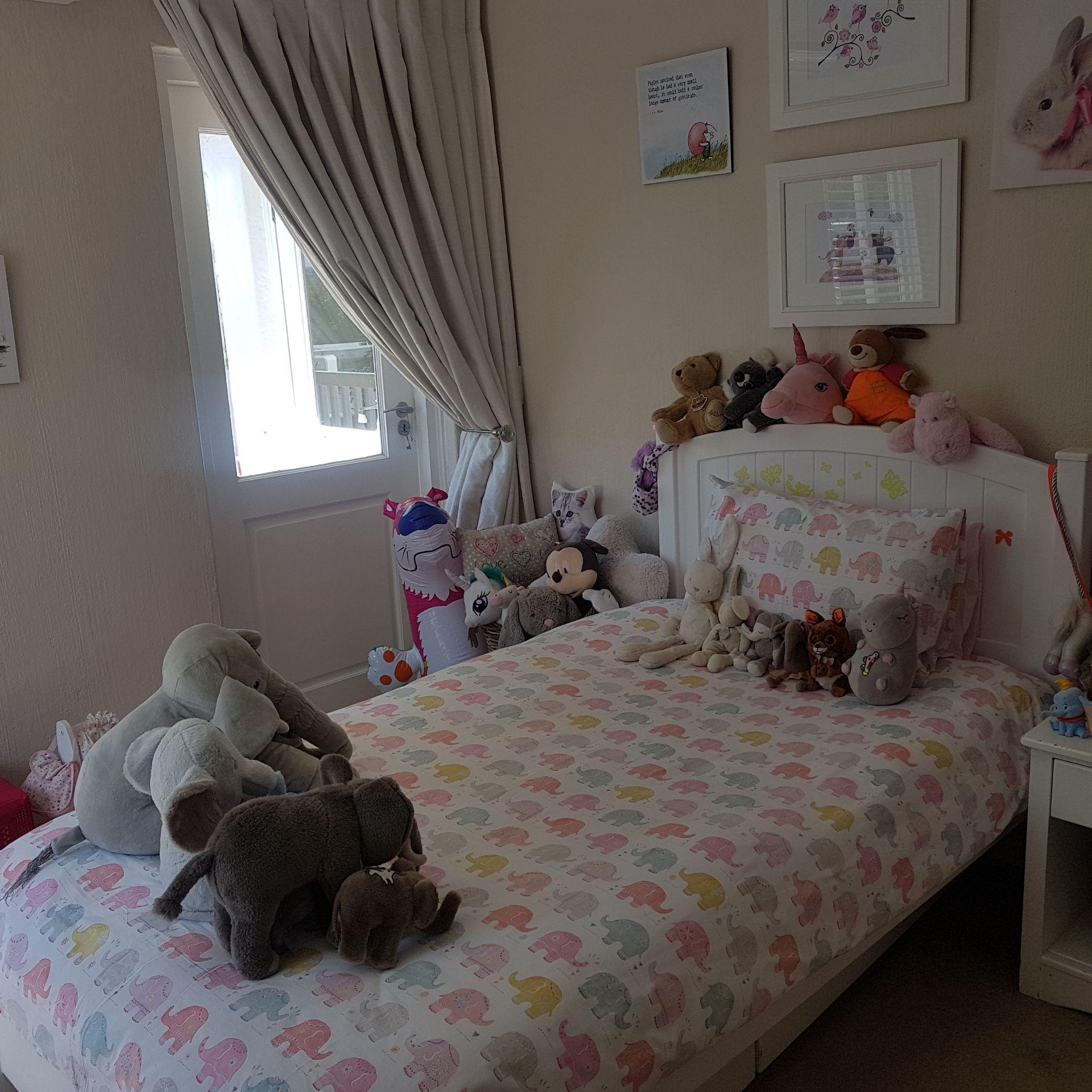 13  Bed 4 1.jpg
