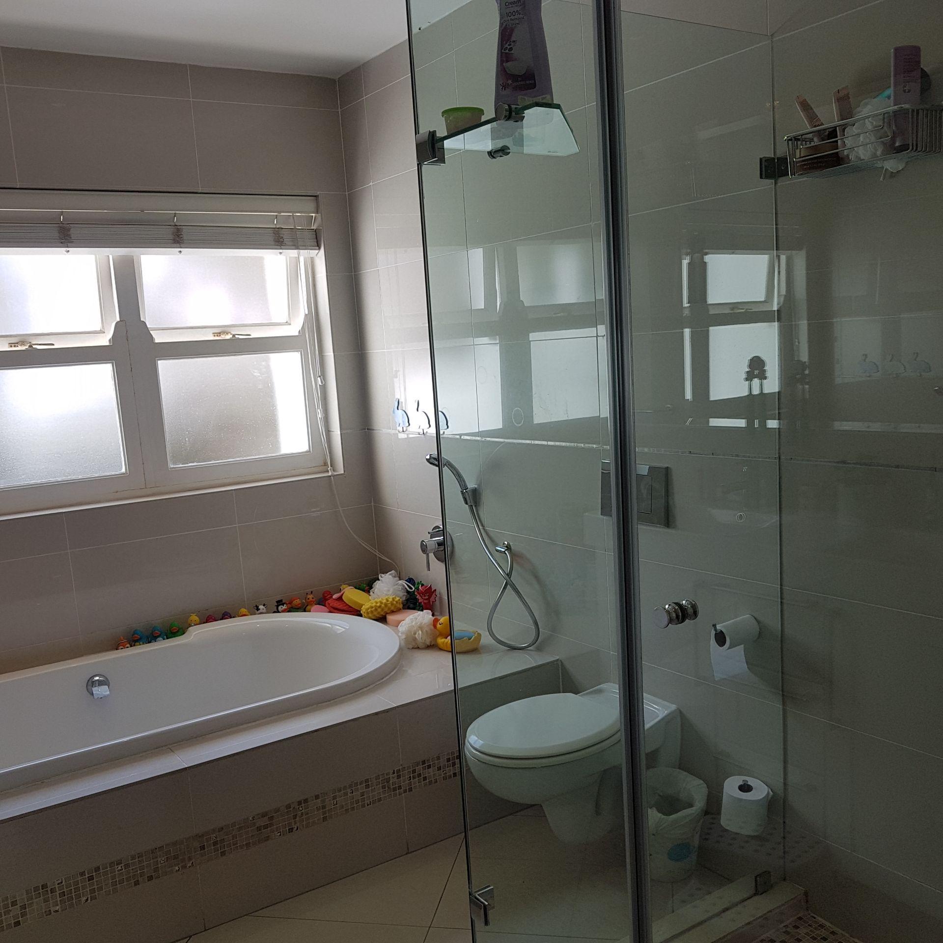 17  Bath 2 2.jpg