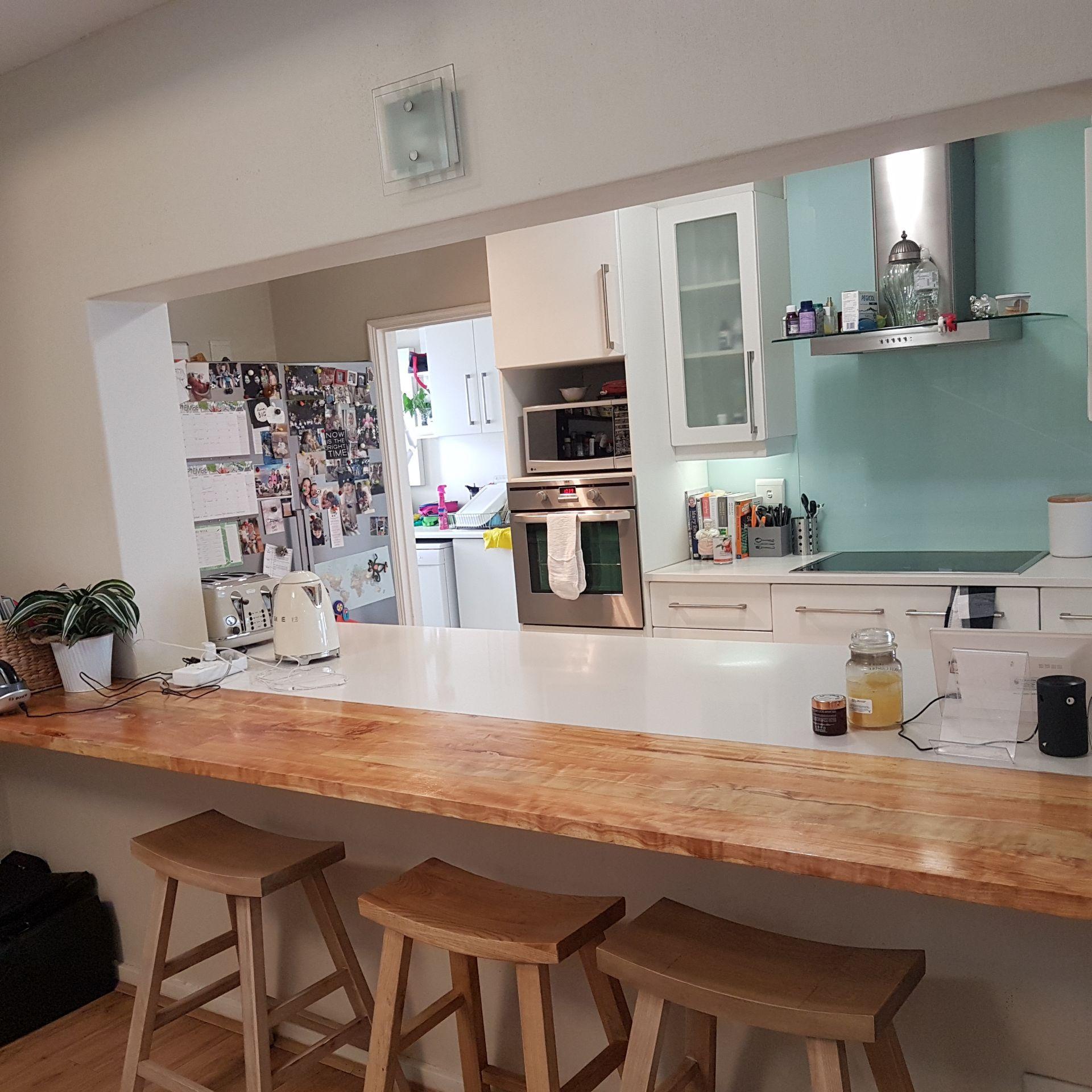 26  Kitchen 1.jpg
