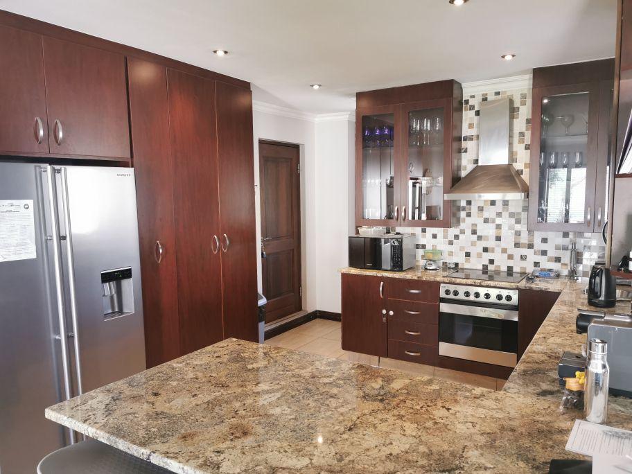 Craigavon kitchen 2.jpg