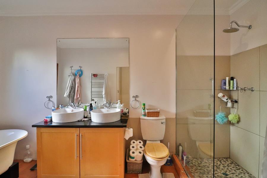 Lownhill main bathroom.jpg