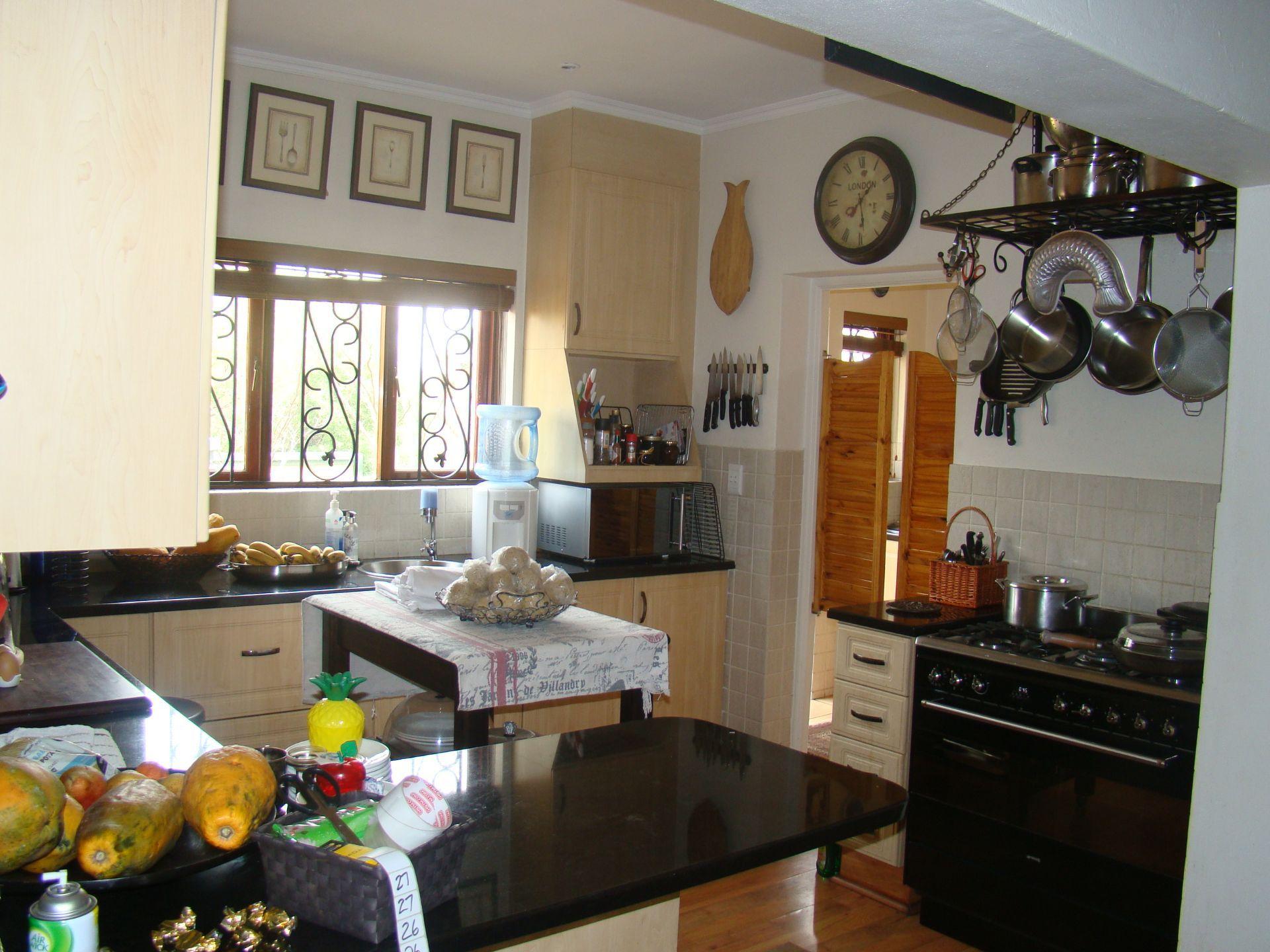 Craigavon kitchen.JPG