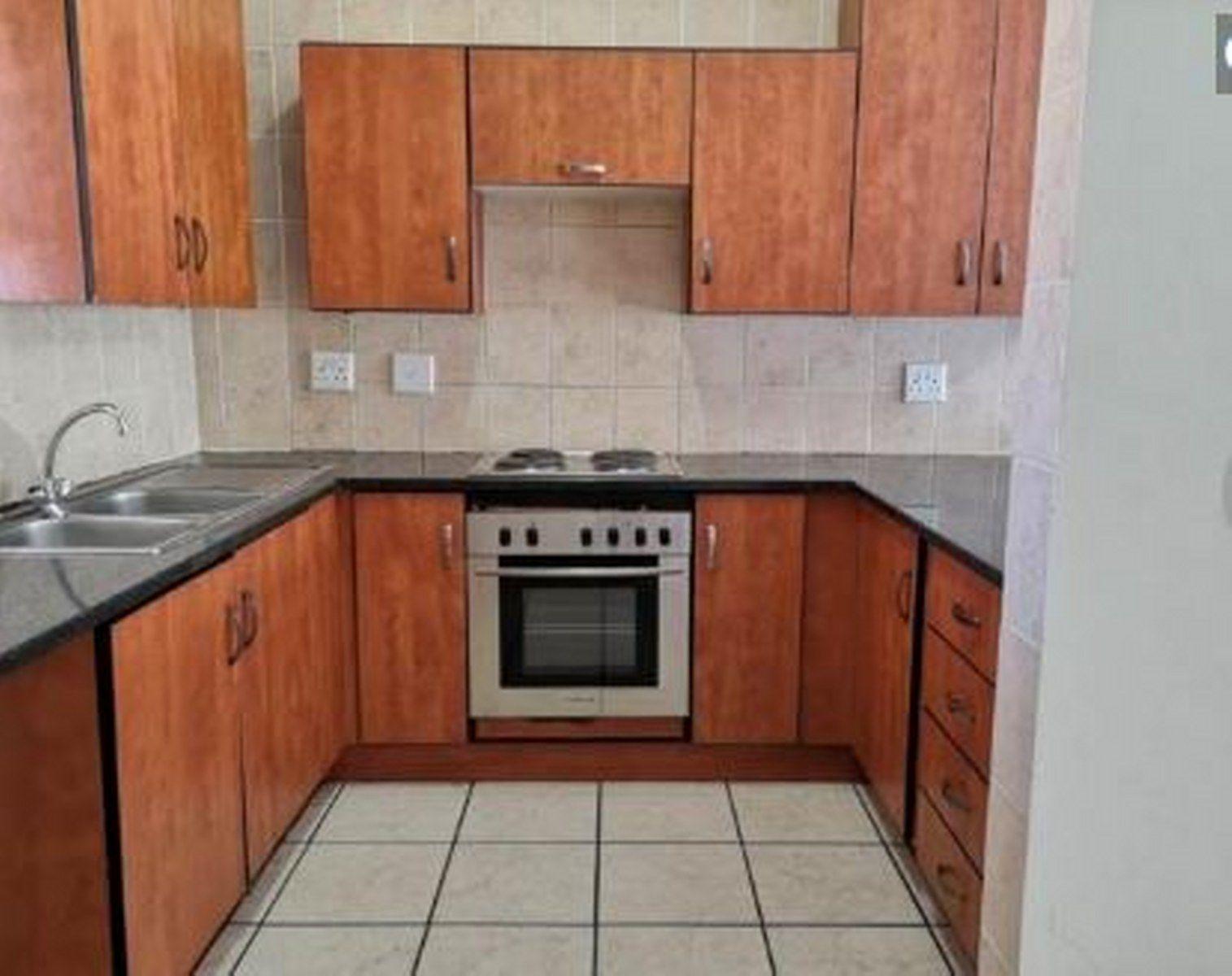 Kitchen_1515x1200.JPG