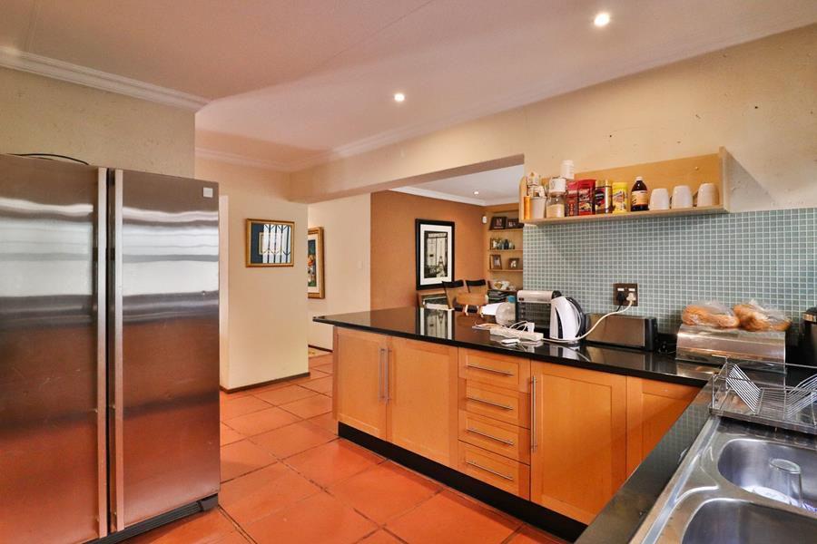 Loenhill kitchen space.jpg