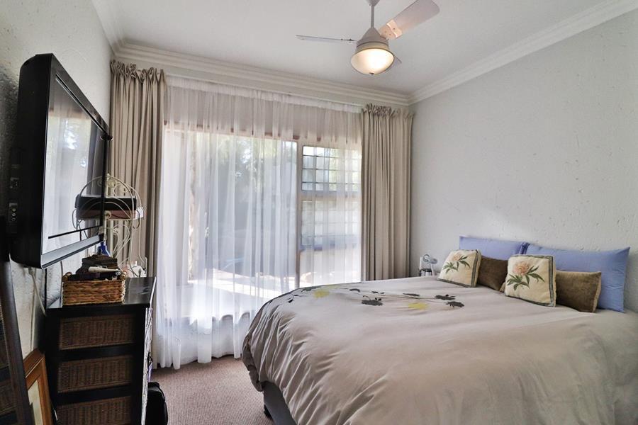 Lonehill 2nd bedroom.jpg