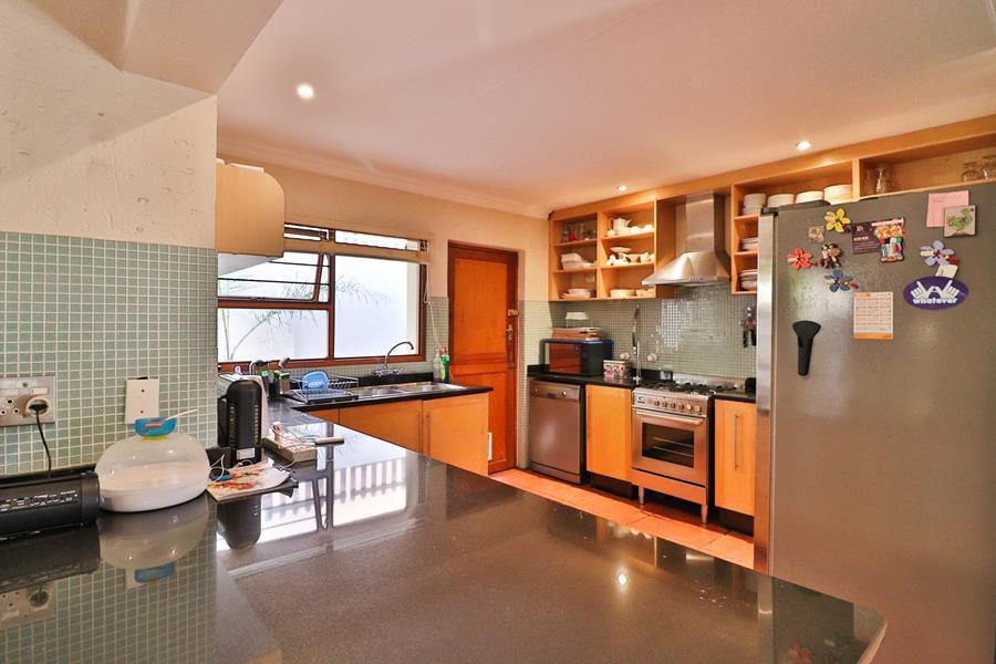 Lonehill kitchen.jpg
