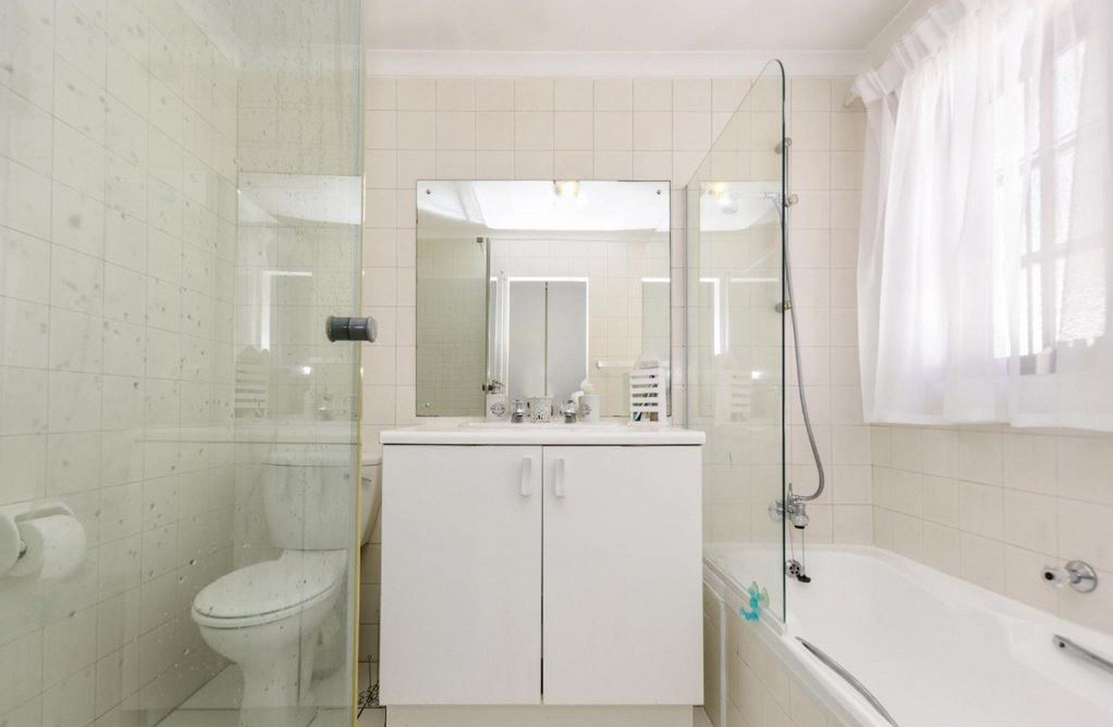 Bath 1_1600x1046.JPG