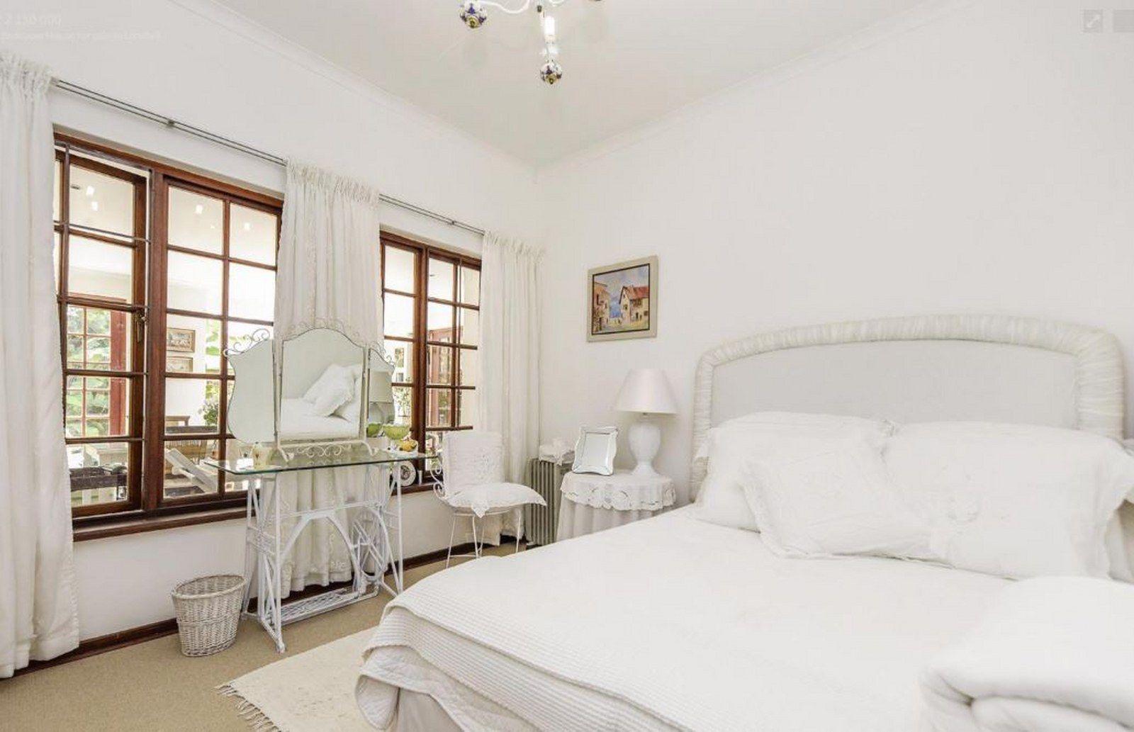 Bed 2_1600x1033.JPG