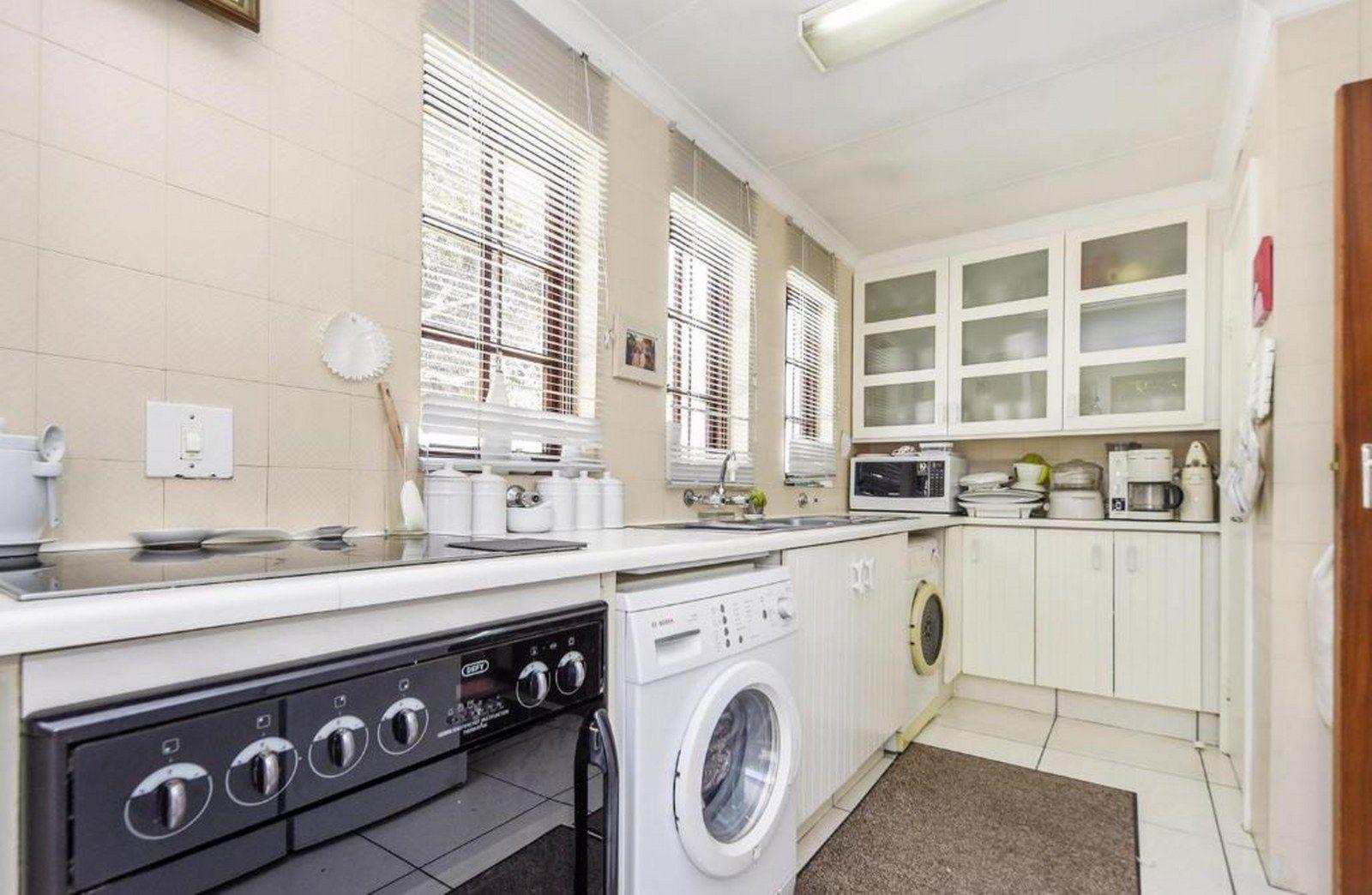 Kitchen_1600x1044.JPG