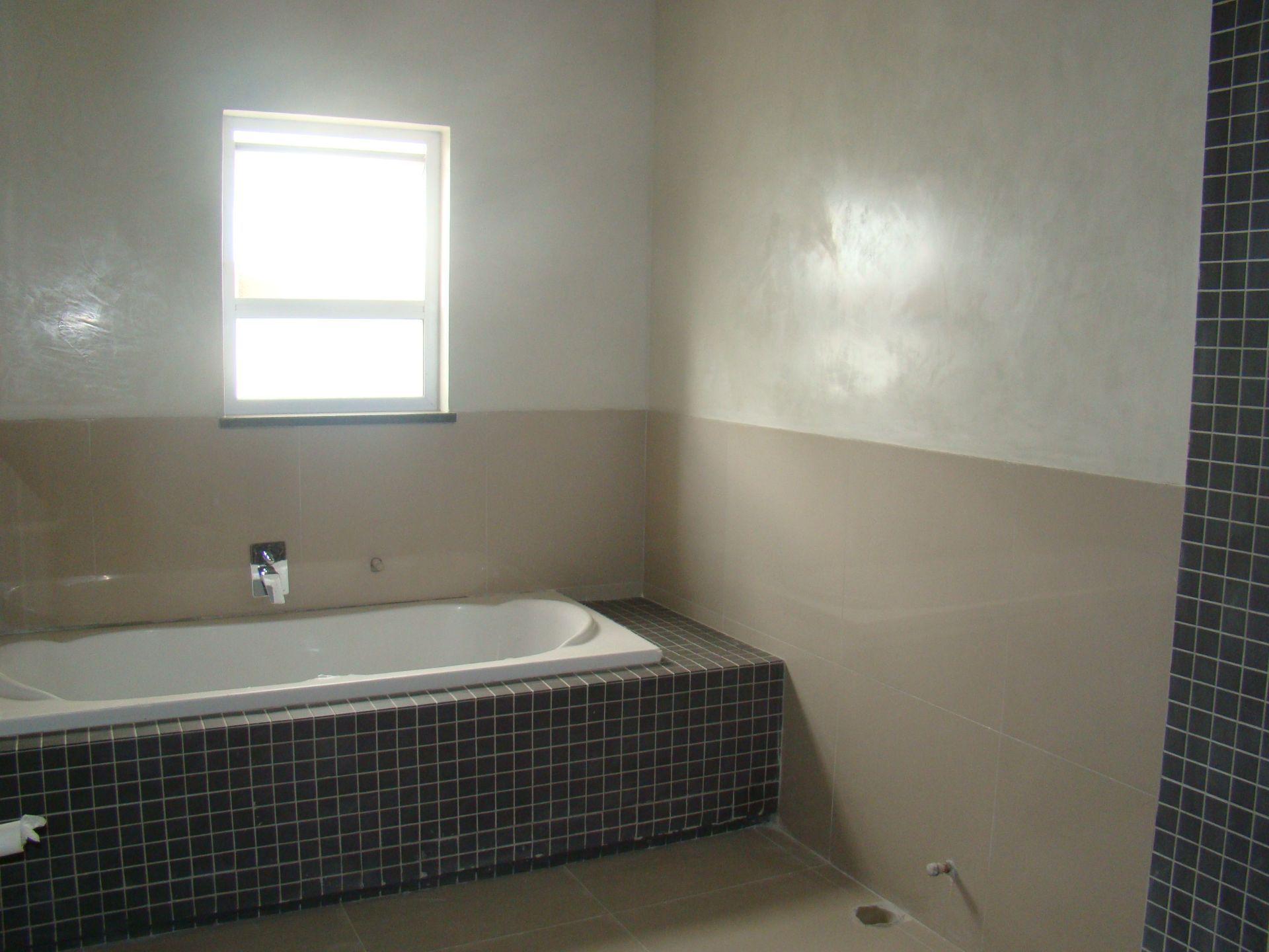 Craigavon bathroom downstairs.JPG