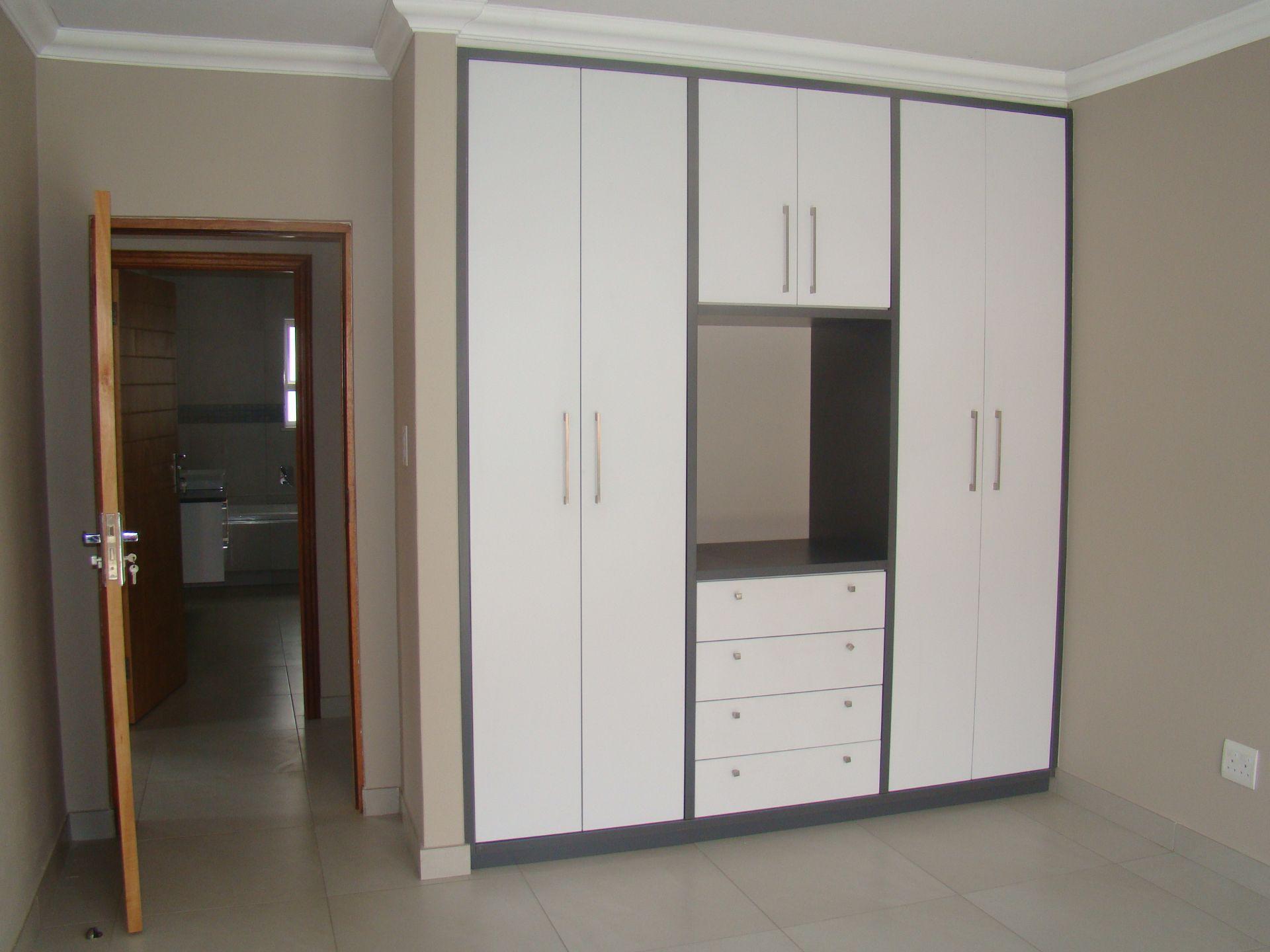 Craigavon 3rd bedroom cupboards.JPG