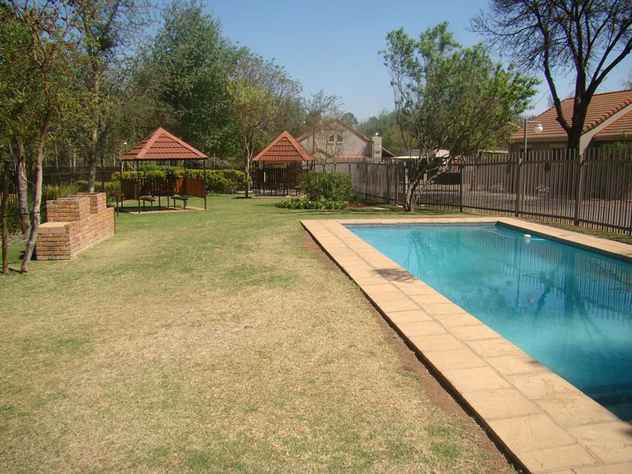Craigavon swimming pool.JPG