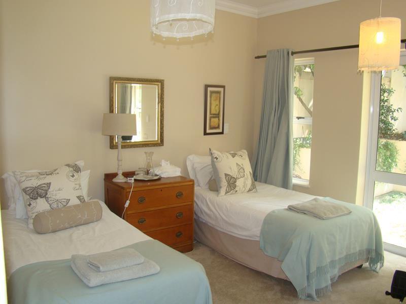 Fernbrook 2nd bedroom (Copy).JPG