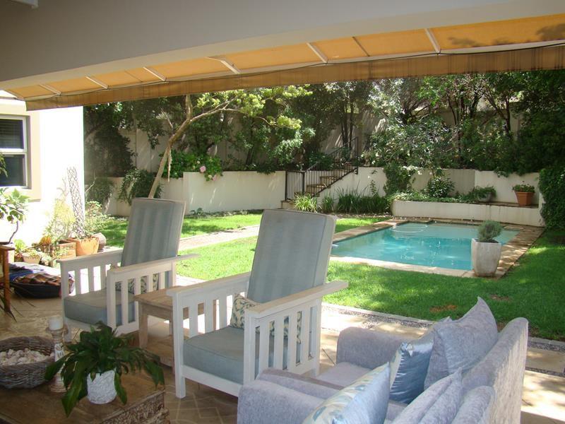 Fernbrook patio and pool (Copy).JPG