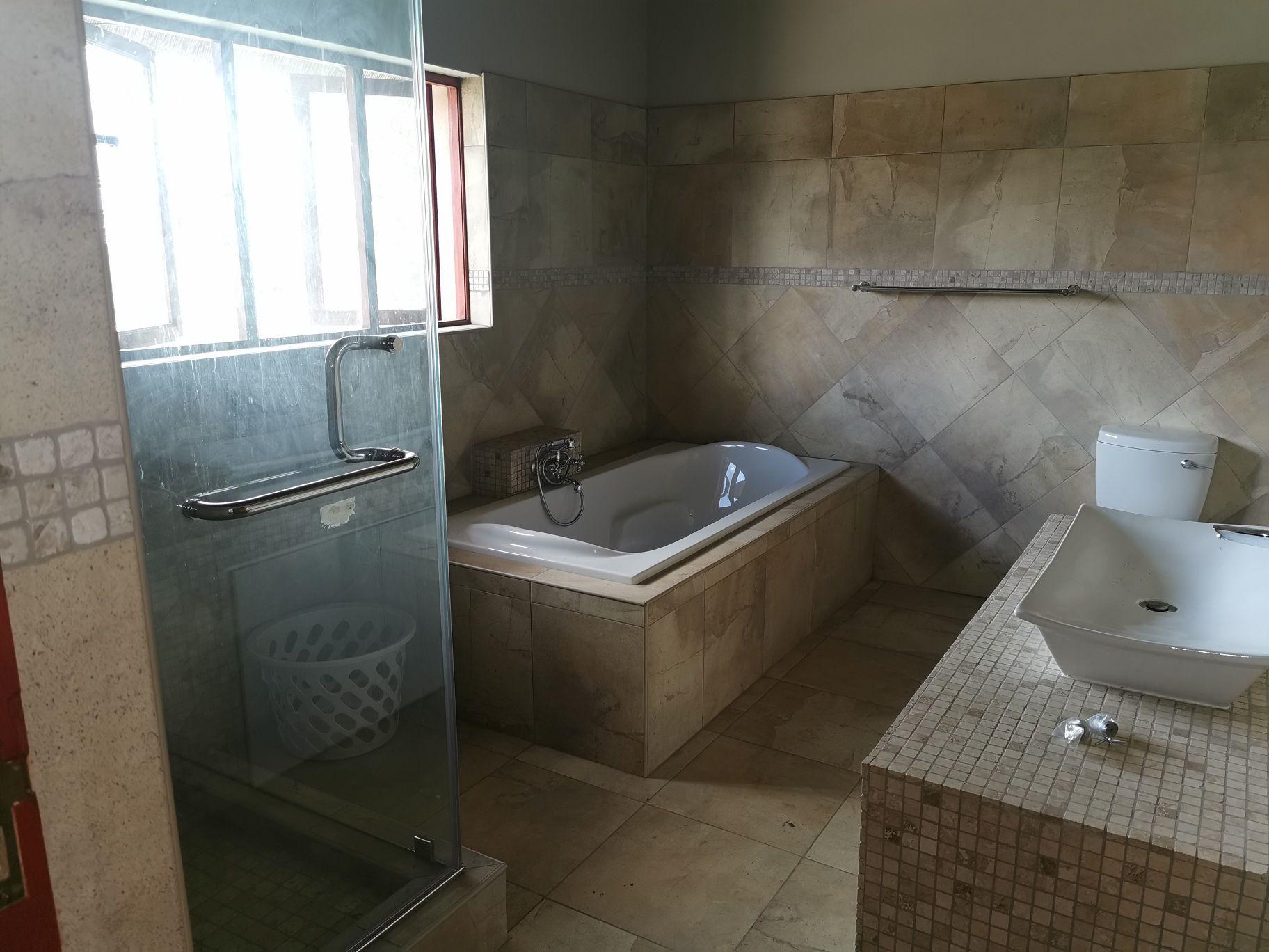 Craigavon cottage bathroom.jpg