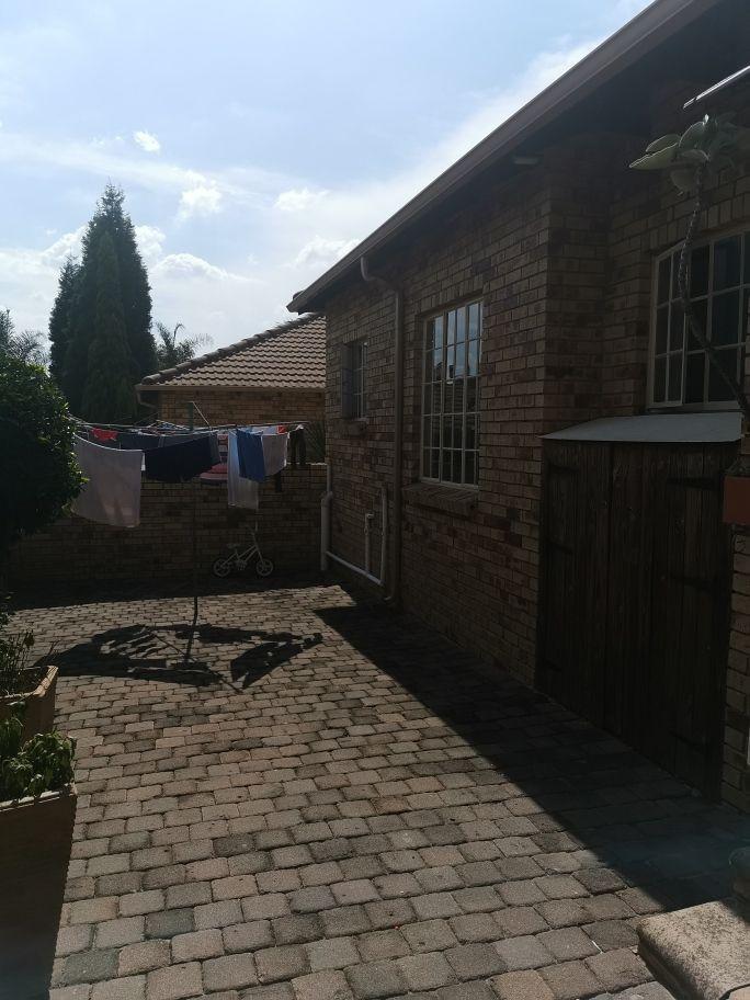 Craigavon courtyard.jpg