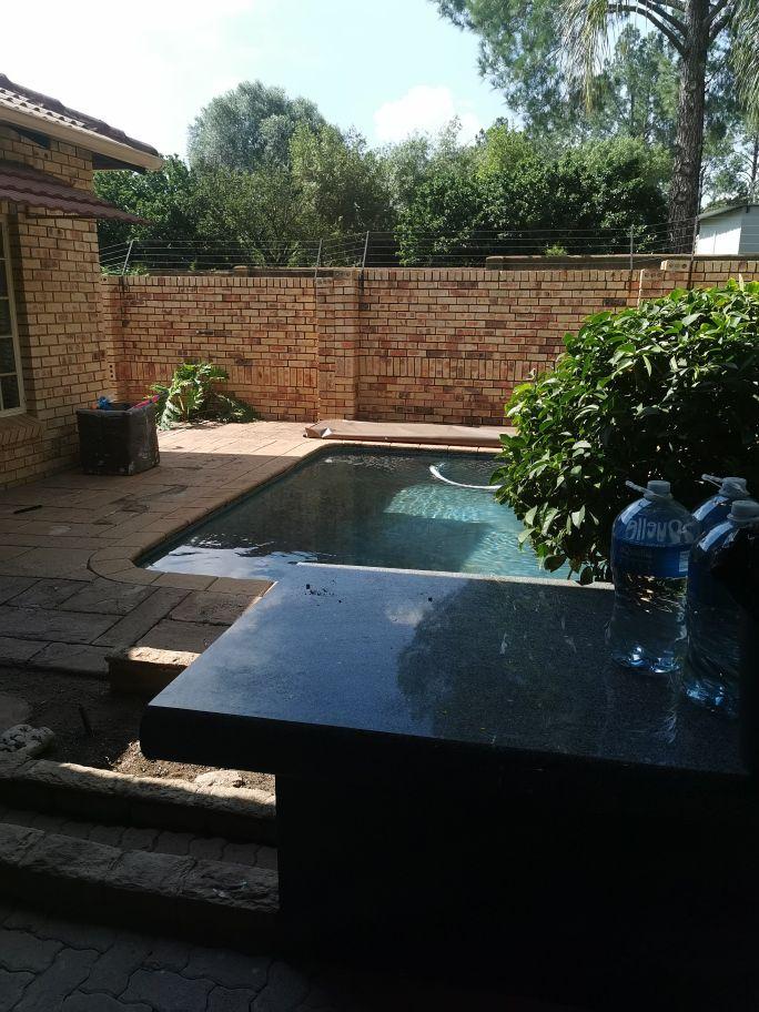 Craigavon pool area.jpg