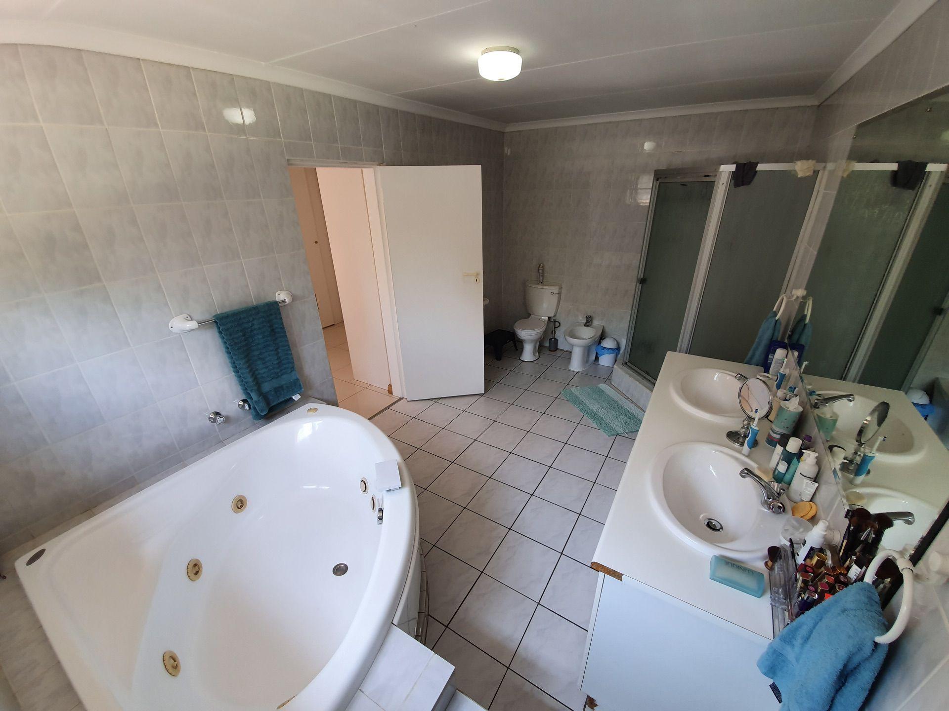Master Bathroom with Spa Bath