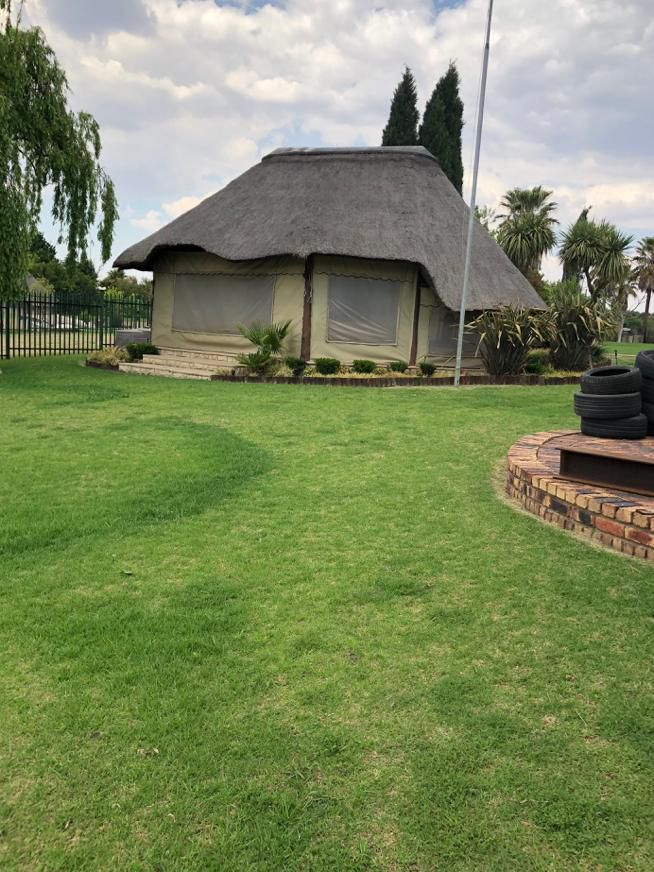Lapa area and manicured garden