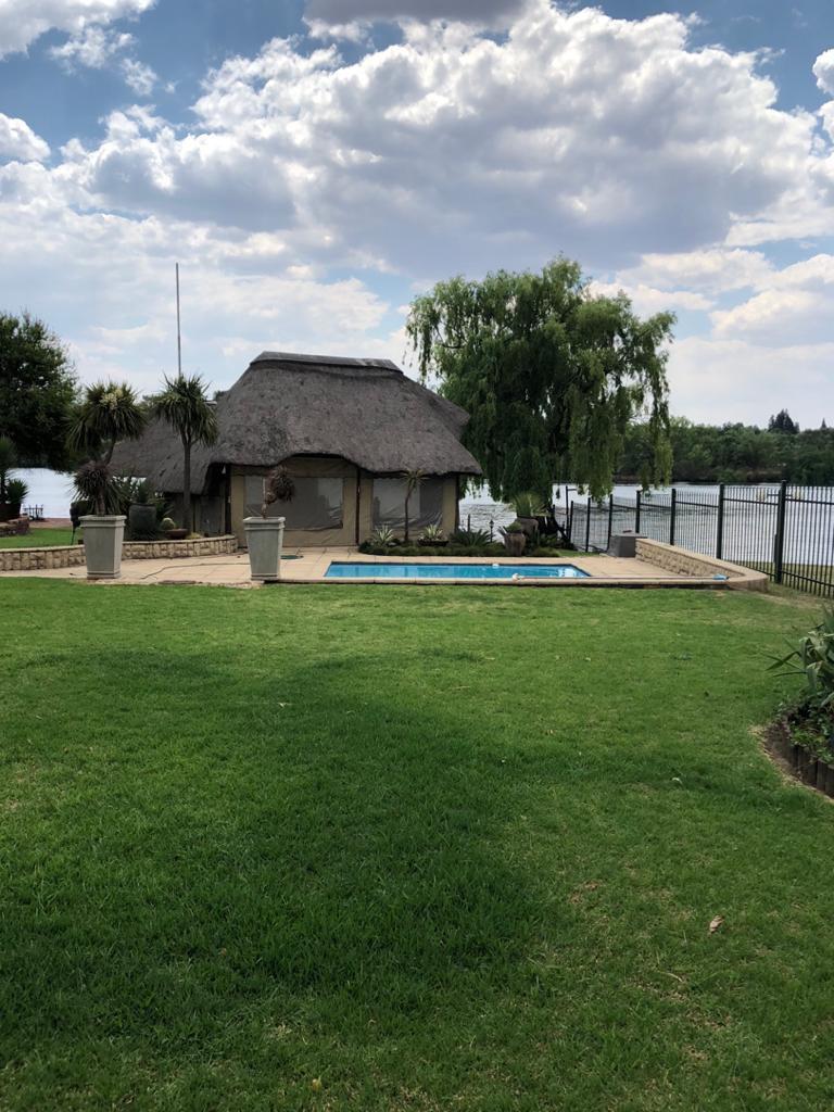 Lapa and swimming  pool