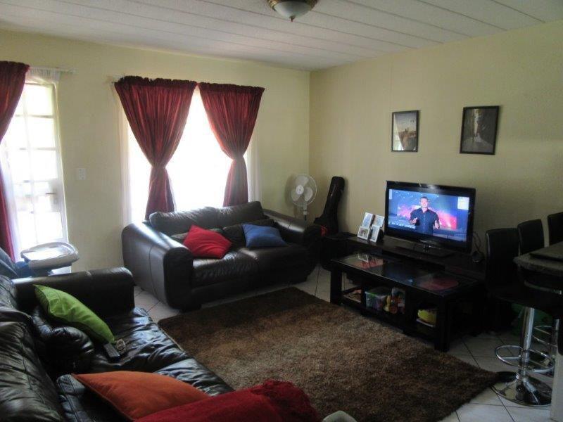 Paulshof lounge.jpg
