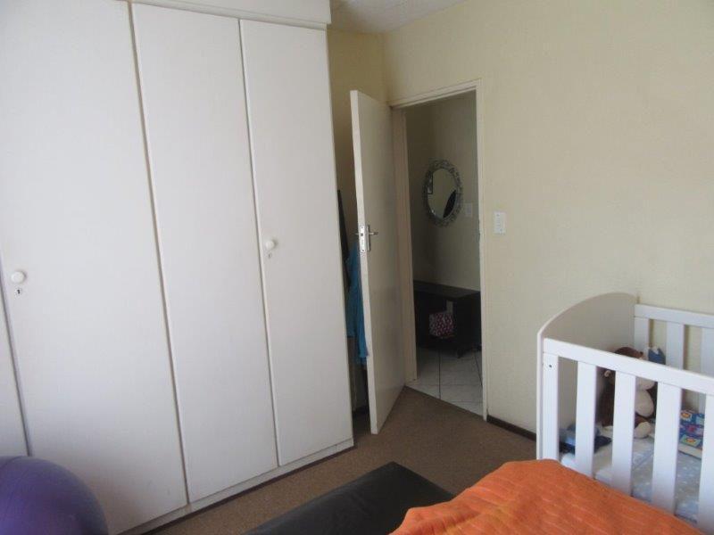Paulshof main bedroom.jpg