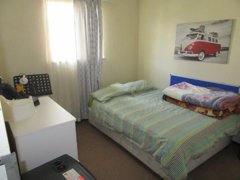 Paulshof second bedroom.jpg
