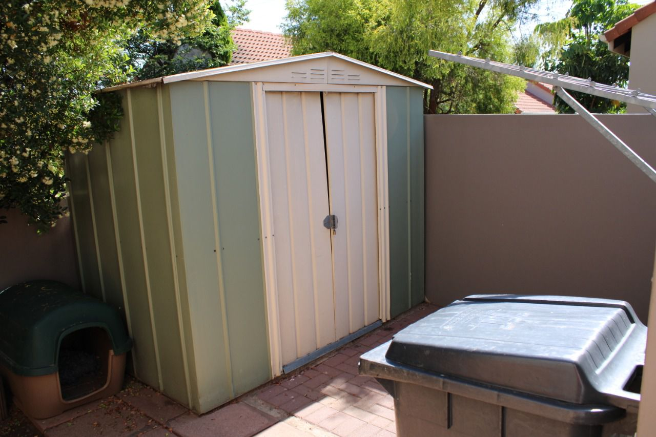 Craigavon outside shed.jpg