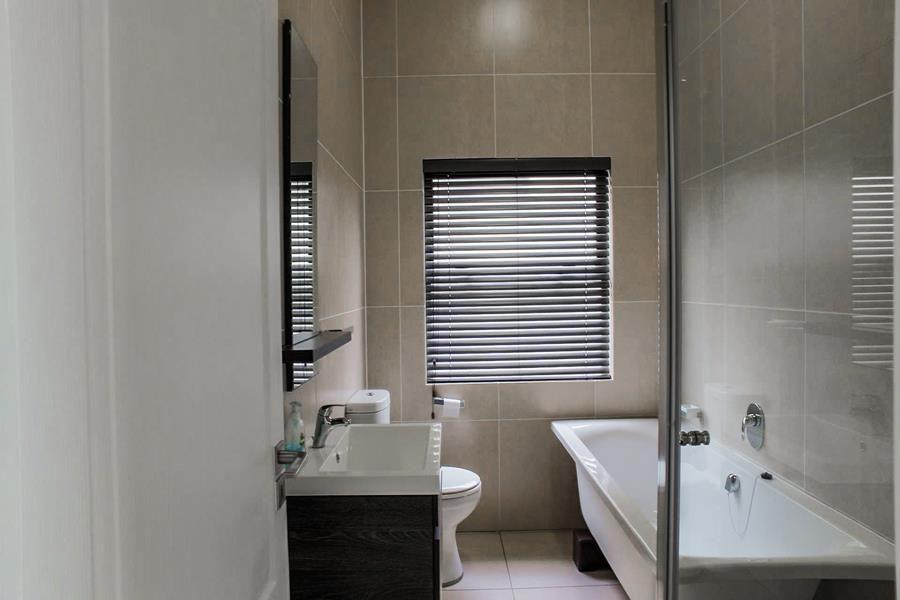 Beverley 2nd bathroom (Copy).jpg