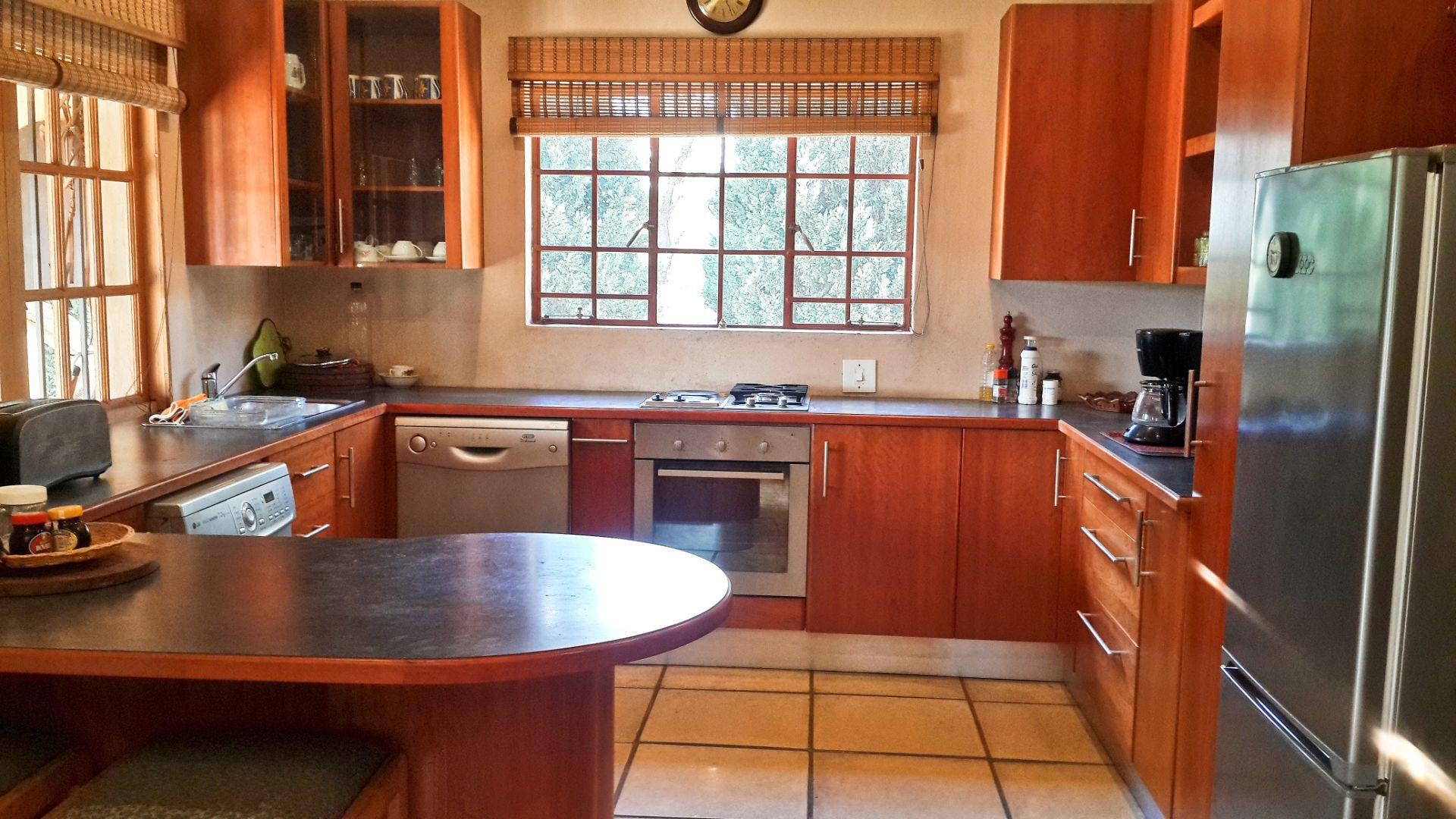 Kitchen Airb&b.jpg