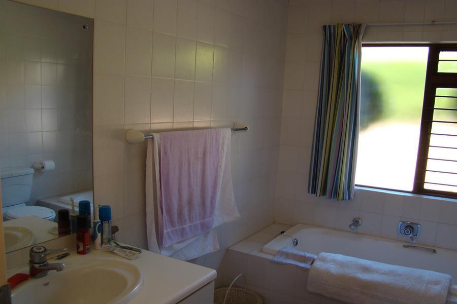 Lonehill 2nd full bathroom (Copy).JPG