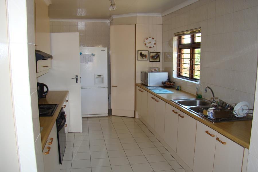Lonehill kitchen (Copy).JPG