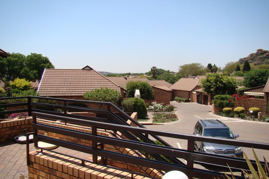 Lonehill view (Copy).JPG