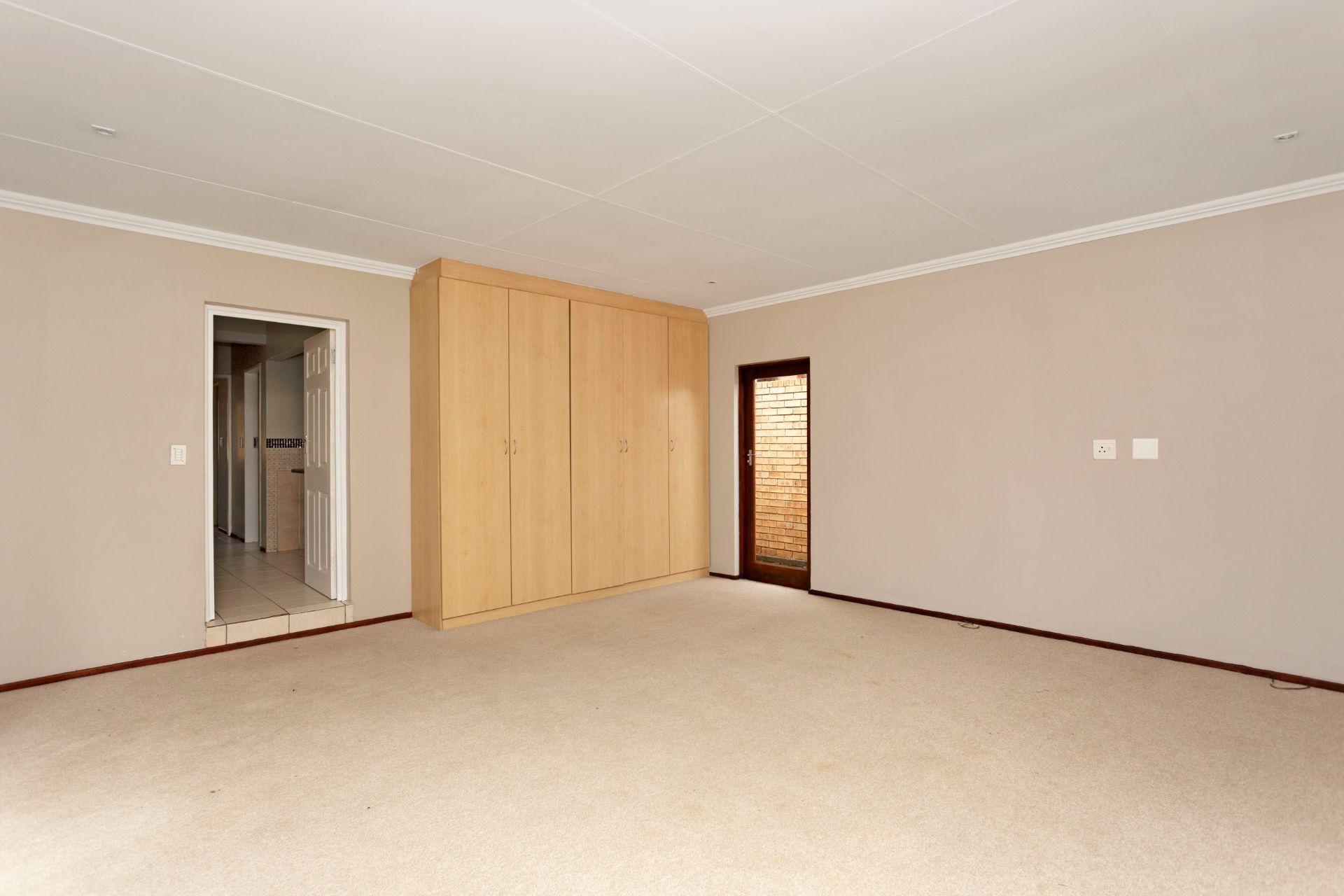 54 Fourways Estate Craigavon (27).jpg