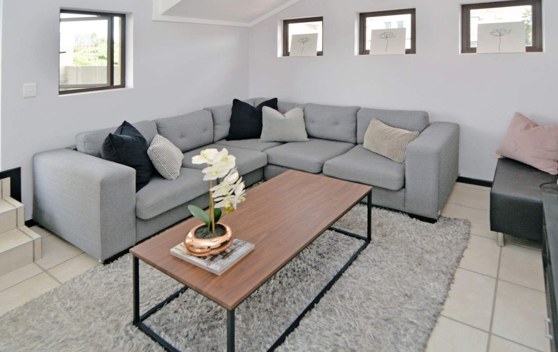 Lounge 2.png