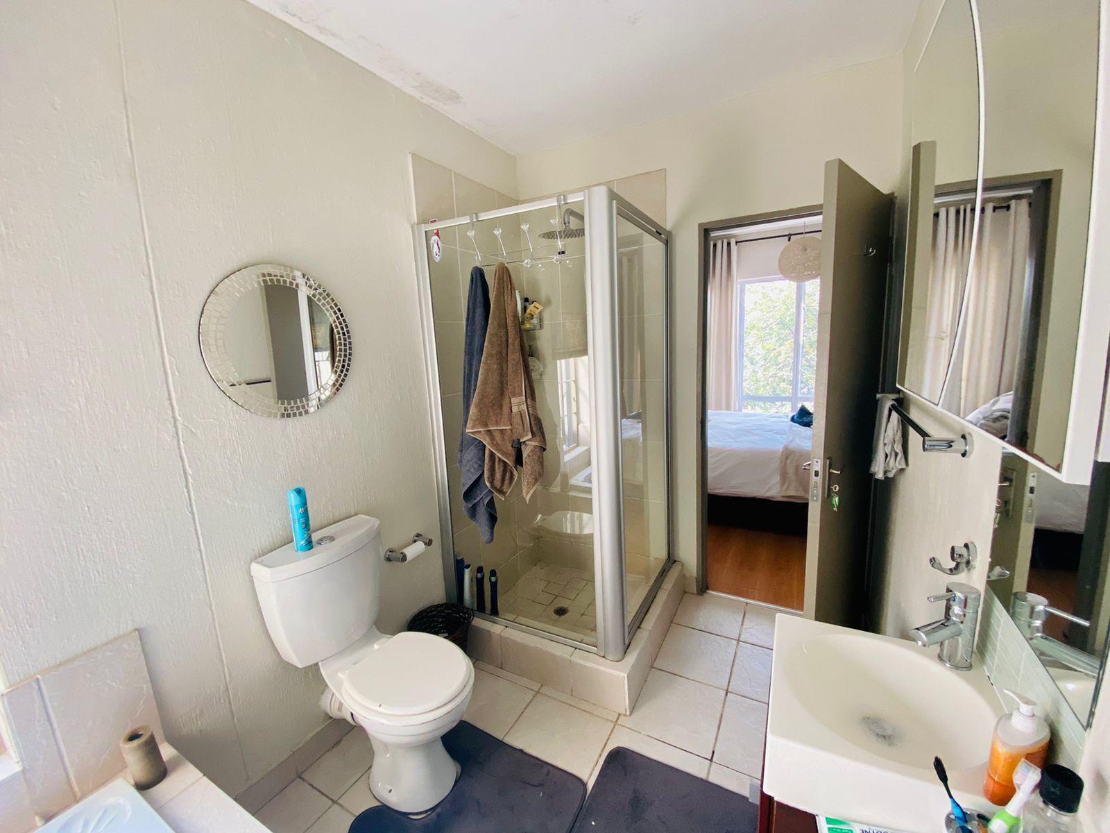 bathroom ensuite.jpg