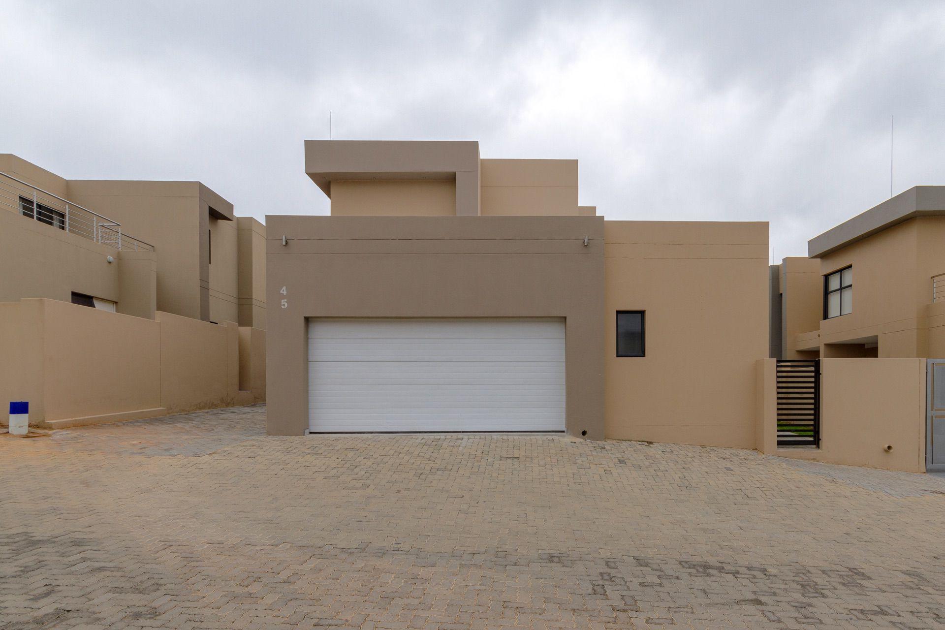 Garage, front and back entrance