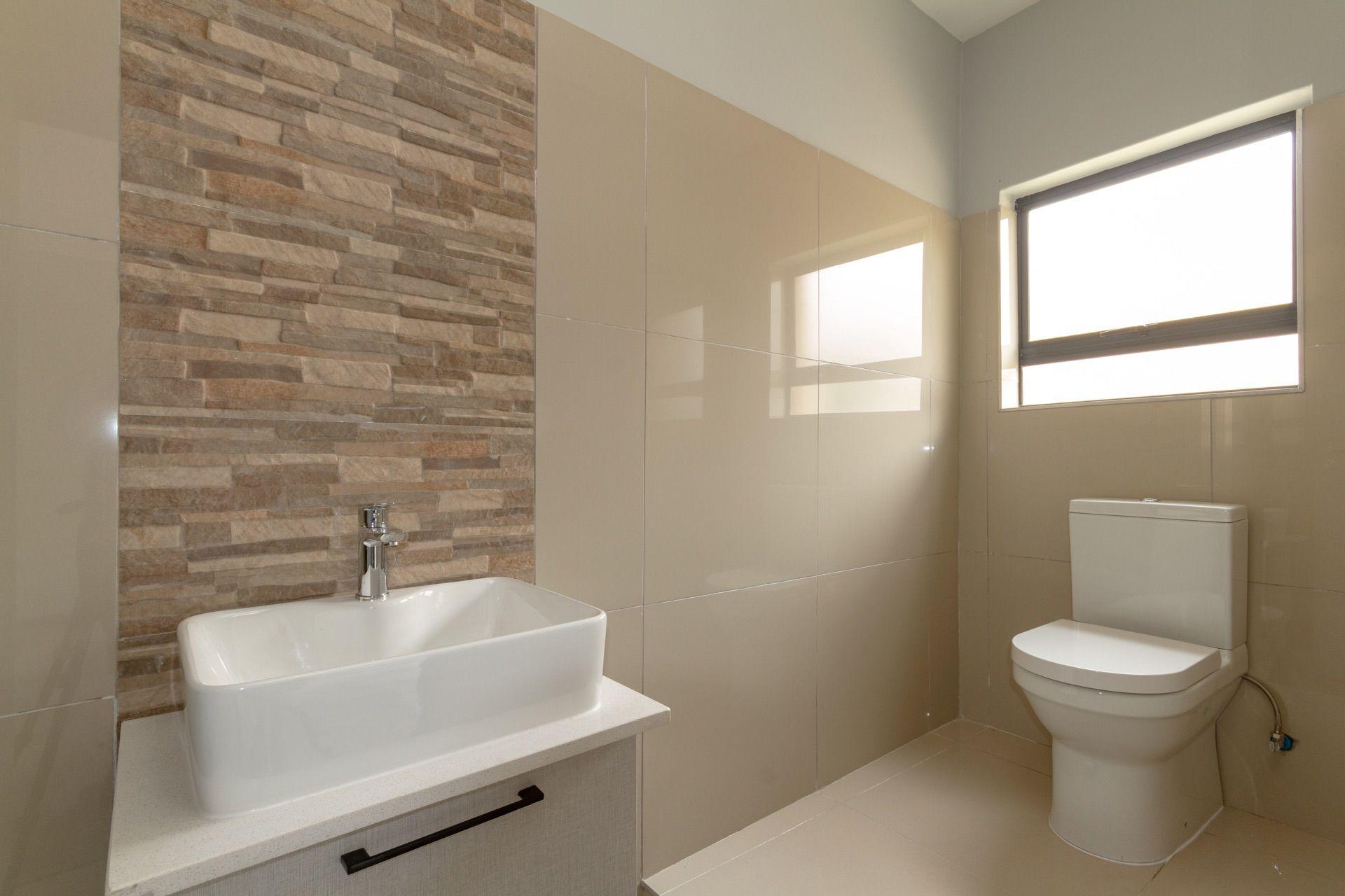 3rd en-suite bathroom