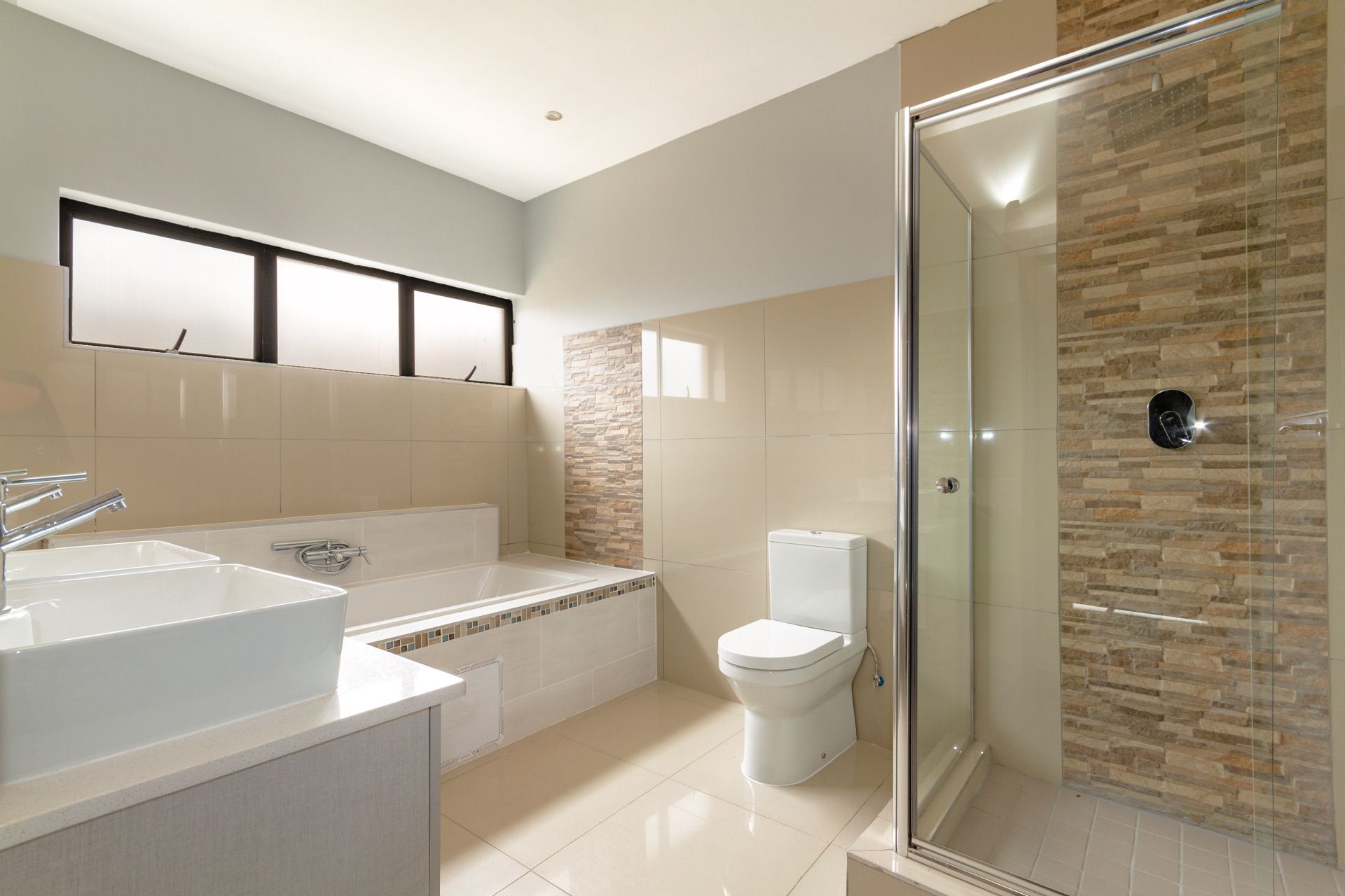 Master en-suite with his and hers vanity