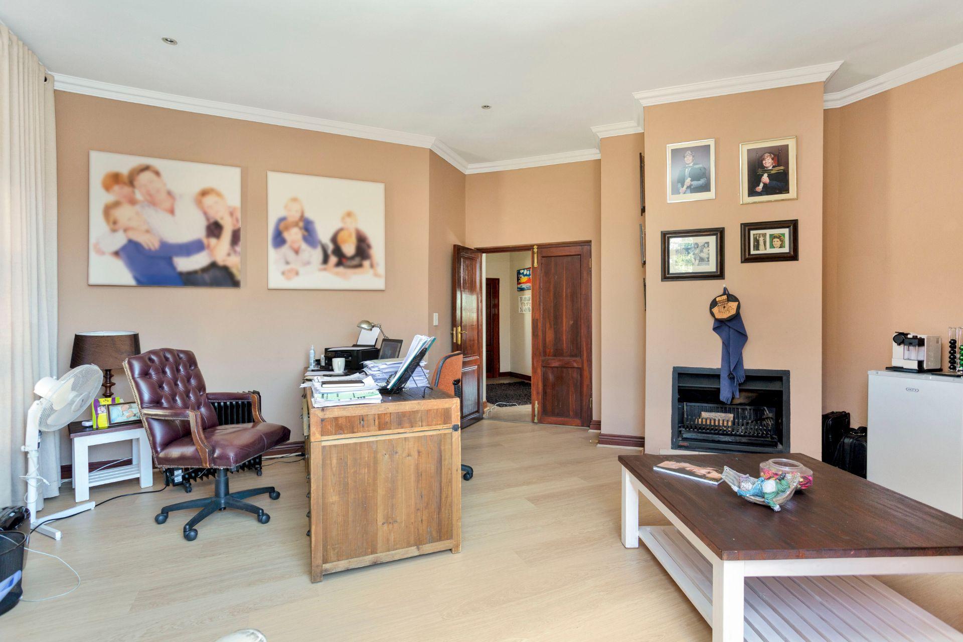 658 Saranton Estate  (11) (1).jpg