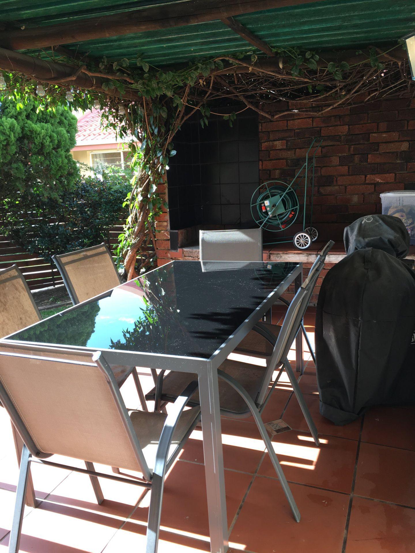 25_VT 23 Patio and Garden_1.JPG